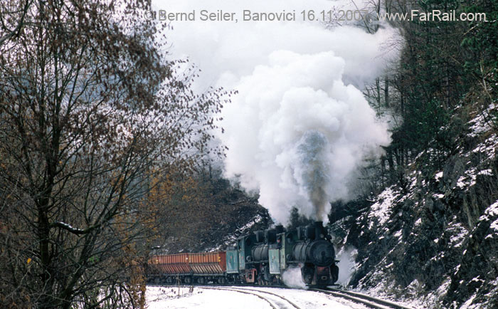 Banovici: coal train with two class 83 locomotives