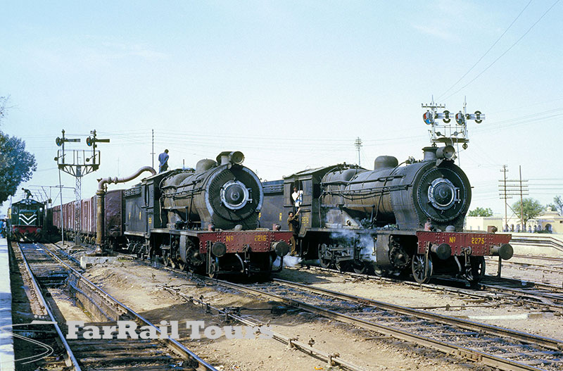 Steam in Pakistan: Kotri Jn. HG/S 22216 and class mate 2275